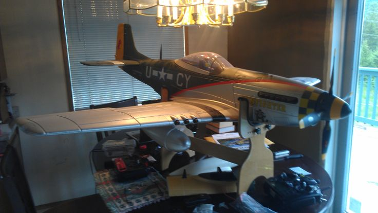 70 inch wingspan mustang, pulls so hard under acceleration