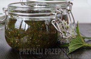 Pesto z czosnku niedźwiedziego i młodej pokrzywy