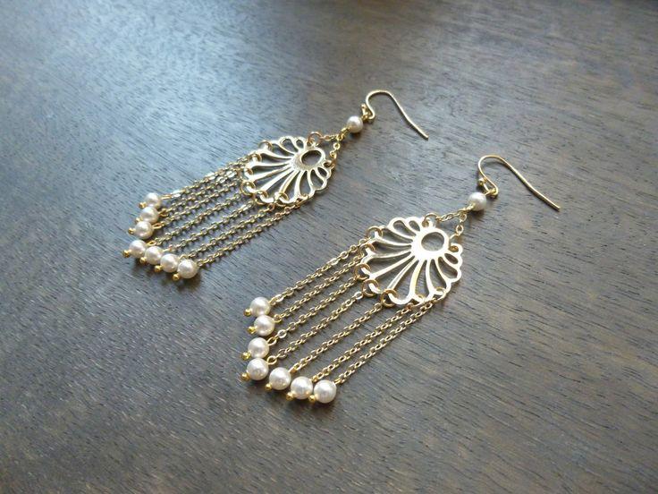 Boucles d'oreilles art nouveau style retro inspiration Gatsby, Années Folles 1920's estampes fleurs dorées avec : Boucles d'oreille par les-bijoux-d-aki