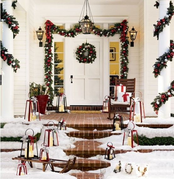 28 Christmas Decorating Ideas For Your Front Porch