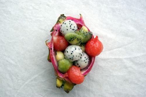 I love fruit - fruitsalad.  Jeg elsker frukt - fruktsalat!