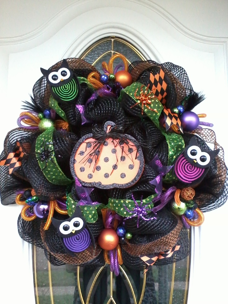 OH MY GOODNESS! @Markesha Holliday Randle deco mesh wreath