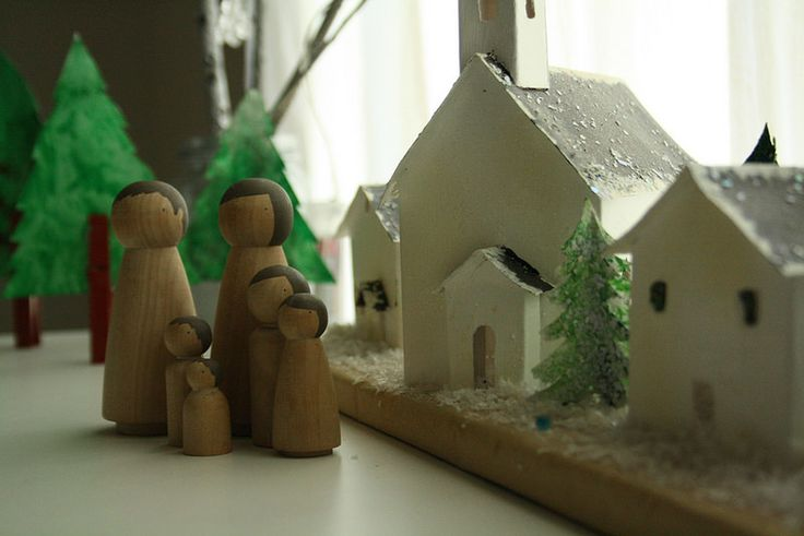 http://colorandlove.com/christmas-at-home/