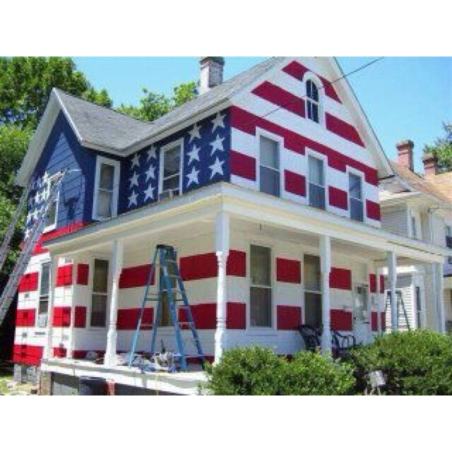 I LOVE this! TheHomeowner's Association told him he couldn't fly a flag,