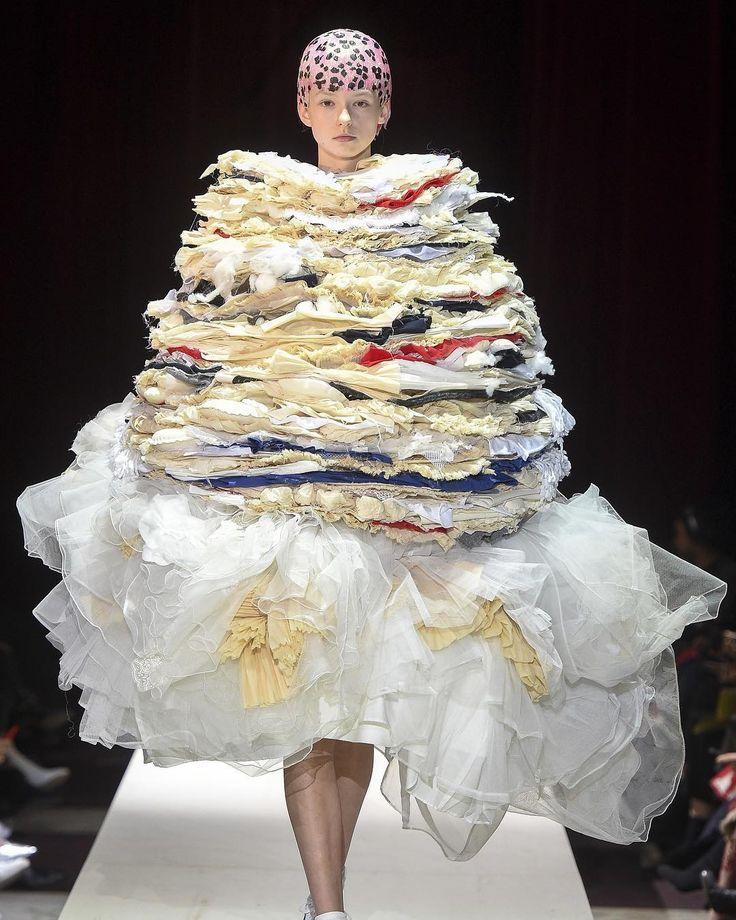 Fashion runway torta layers foundation fabric dress