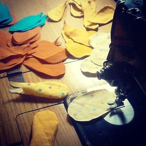 @malicescraftland & @rukolaonfire #combo on #instagram #collaborazioni #nuovasfidacreativa #costumescenico #costumediscena #newproject #craft #handmade #upcycling #recycled #fattoamanoconamore #riciclocreativo #stagecostume #handmadewithlove #giallo #amarillo #yellow #birdwoman #staytuned #comingsoon #realtime #piume #piuma #uccello #fenice #creativenight #creativefire #feather #feathers #bird #phoenix ----> Follow me: https://malicecraft.wordpress.com/   ----> instagam…