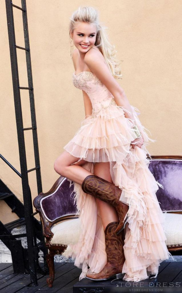 SUPER CUTE, PINK, SEXY, FUN! Top 25 High Low Wedding Dresses | http://www.deerpearlflowers.com/high-low-wedding-dresses/