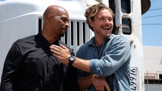 Aired Oct 5 2016 Episode 3 Best Buds.  Riggs and Murtaugh follow a violent case involving a drug cartel, theft, two killings, and Murtaugh's old T.O.