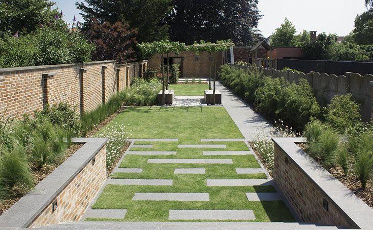 25 beste idee n over tuin stapstenen op pinterest for Tuinarchitect modern strak