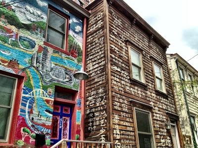Pittsburgh PA near The Mattress Factory