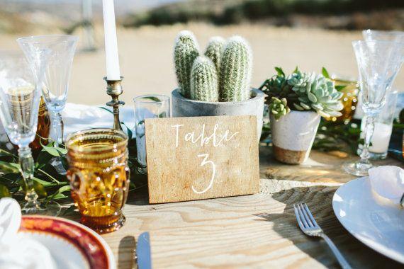 Números de mesa de boda / cursiva madera mesa números / / rústico números de tabla de madera / / números de mesa de caligrafía