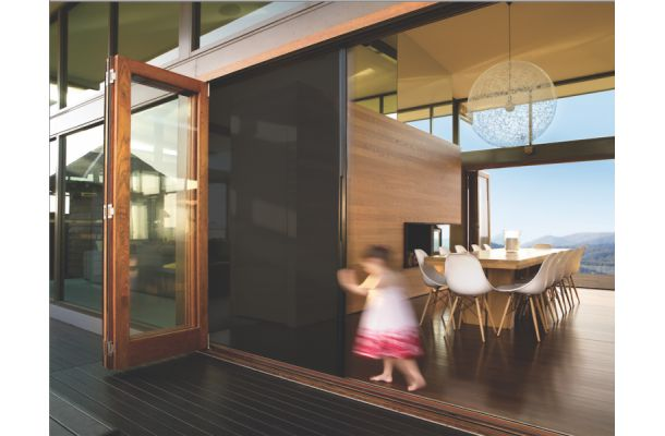 Trend: Using Glass Walls to Bring the Outdoors In | Residential Building Products