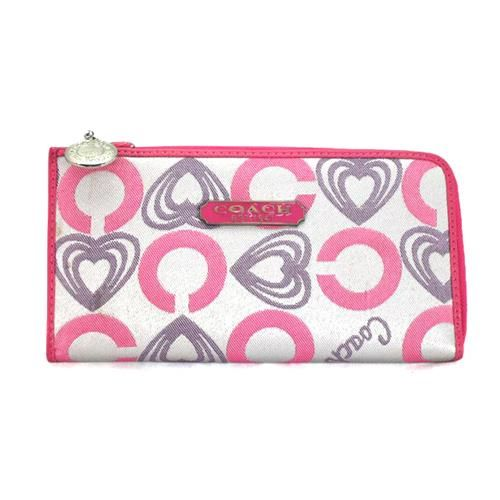 Cheap And Fashion Coach Heart Charm Large Pink Wallets EEF Are Here!