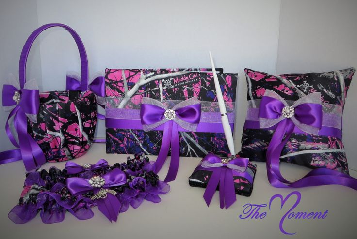 This set is customizable, For $5 extra you can choose which color of ribbon you would like from our ribbon chart and include in notebox before checkout! Or you may buy this set as pictured :) These Se