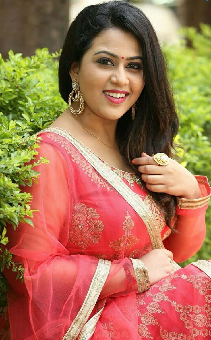Best 25 Shamna Kasim Ideas On Pinterest  Aunty Desi Hot -7127