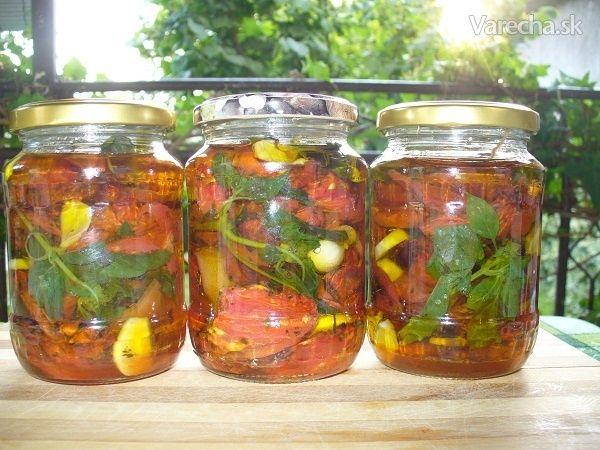 Sušené paradajky s bazalkou a cesnakom v olivovom oleji - sterilizované (fotorecept) - Recept