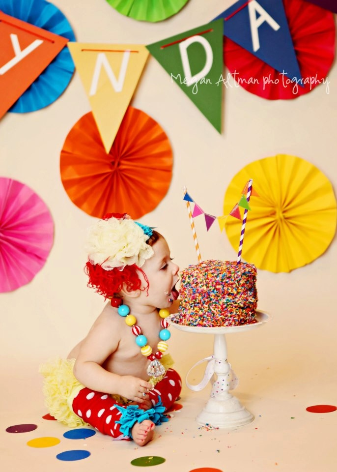 So stinking cute!: Cakes Ideas, Birthday Sets, Smash Cakes, Bloomers Legs, Cakes Smash, Circus Birthday, First Birthday, Rainbows Circus, Birthday Ideas