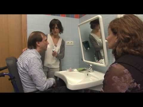 ▶ Disartria, estrategias de intervención logopédica (Hospital Aita Menni) - YouTube