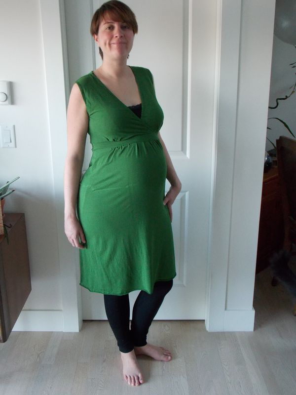 This is my second Amber and it definitely won't be my last. This style of dress is right up my alley. After wearing my first polka dot version, I decided it was time for another. I went digging in my...