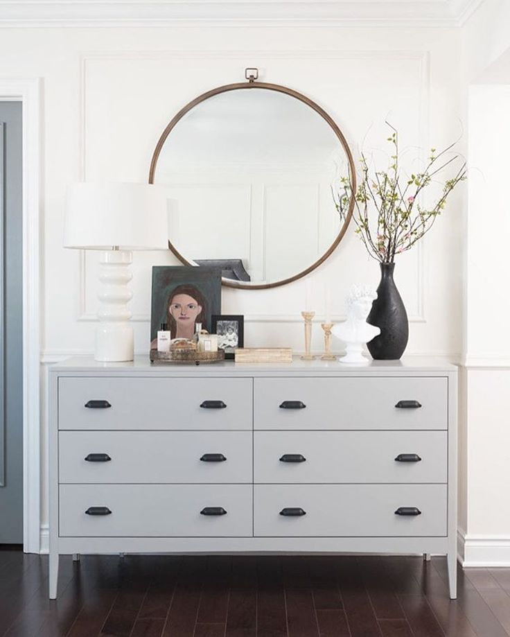 We've compiled a gigantic roundup of our favorite wall mirrors on the blog today, complete with ideas on how to style them... Check it out! #ontheblog #interiordesign : @decorhappy