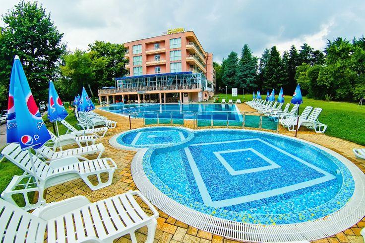 На расстоянии 250м  от Глория находиться проточный  бассейн с горячей  минеральной  водой. #черноморское #побережье