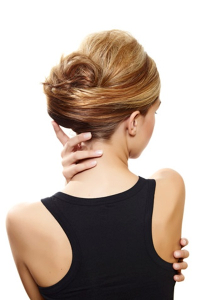How to get a french twist: http://www.glamour.co.za/beauty-body/632424.html