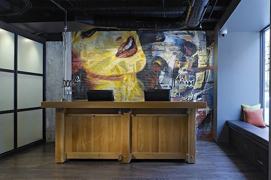10 Cheap Luxury Hotels To Book NOW #refinery29  http://www.refinery29.com/cheap-luxury-hotels#slide-4  ACME Hotel Company, Chicago, ILThis hip hotel in downtown Chicago focuses on including as many perks as possible for an affordable rate. Your room — which will have funky, fun decor — comes with free Wi-Fi, complimentary morning coffee, airport transfer, and access to the hotel gym and cocktail loung...