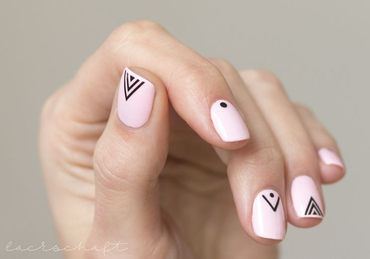 essie-romper-room-swatch-nailart-essence-nailsticker-tribeo-metric-thumb.jpg (748×524)