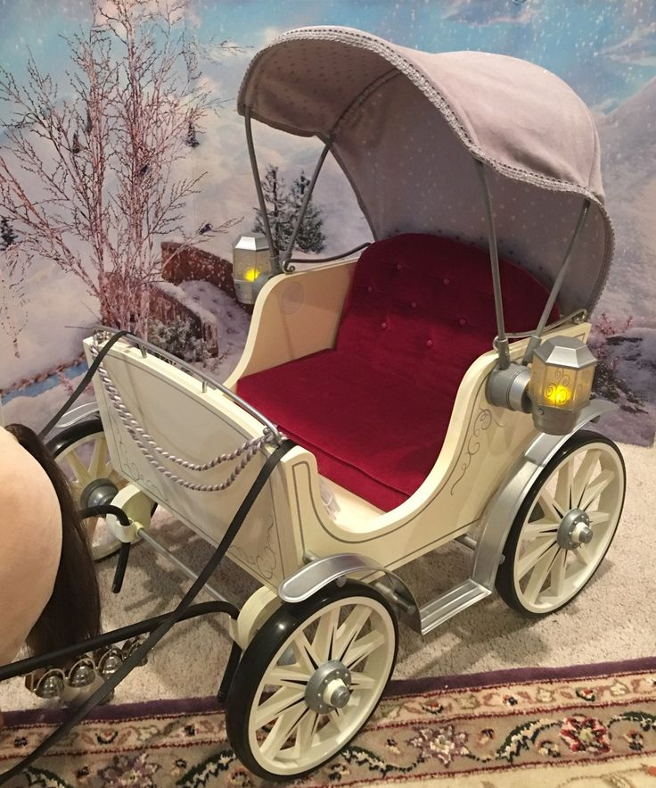 American Girl pretty city carriage in like new condition