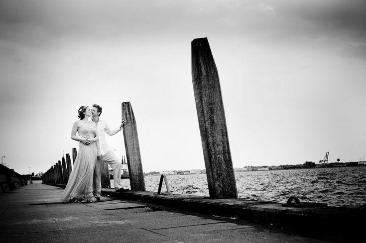 Portrætfotograf til bryllup Vores store dag har med stor erfaring indenfor portrætfotografering arbejdet med kreative portrætfotos og bryllupsfotos hele livet. Der er ikke den store forskel på fotografering af bryllupper og portrætter. Portrætfoto og bryllupsfotos er i samme boldgade og ... Read More