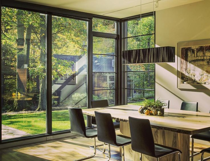 We love these dramatic floor-to-ceiling windows. Let the outdoors, in! #WindowWednesday #WindowShotWednesday #WindsorWindows #WindsorPinnacle #ImagineTheView