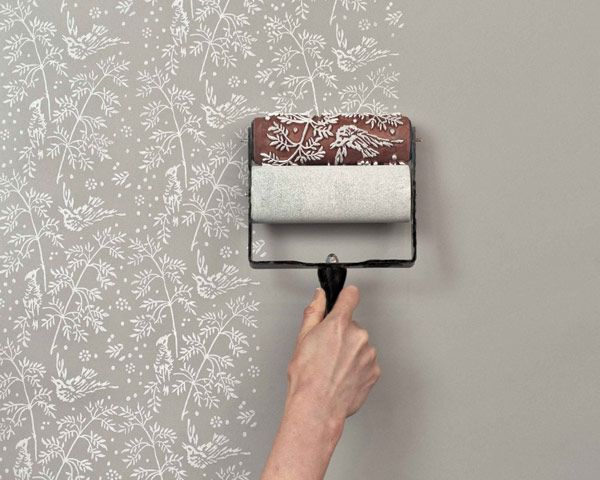 Creating a wallpaper pattern look -- without using wallpaper and instead using a patterned paint roller. #DIY