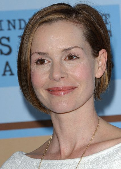 Embeth Davidtz - love love love this cute. Watching paranoia I couldn't stop looking at the cut!