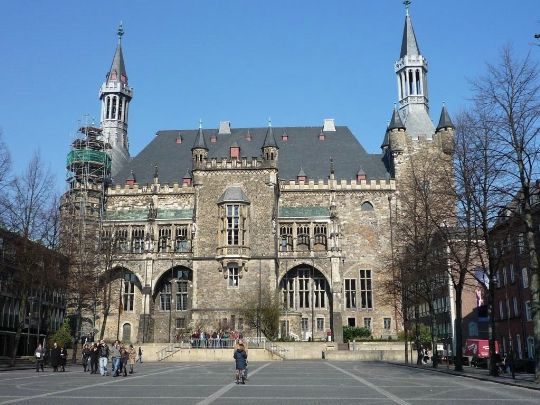 Аахенская ратуша  Германия