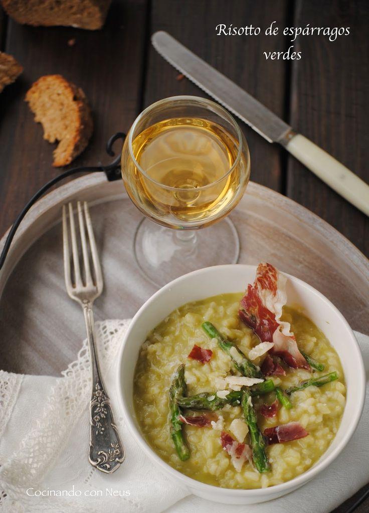 Risotto de espárragos verdes con crujiente de jamón ibérico y lascas de parmesano