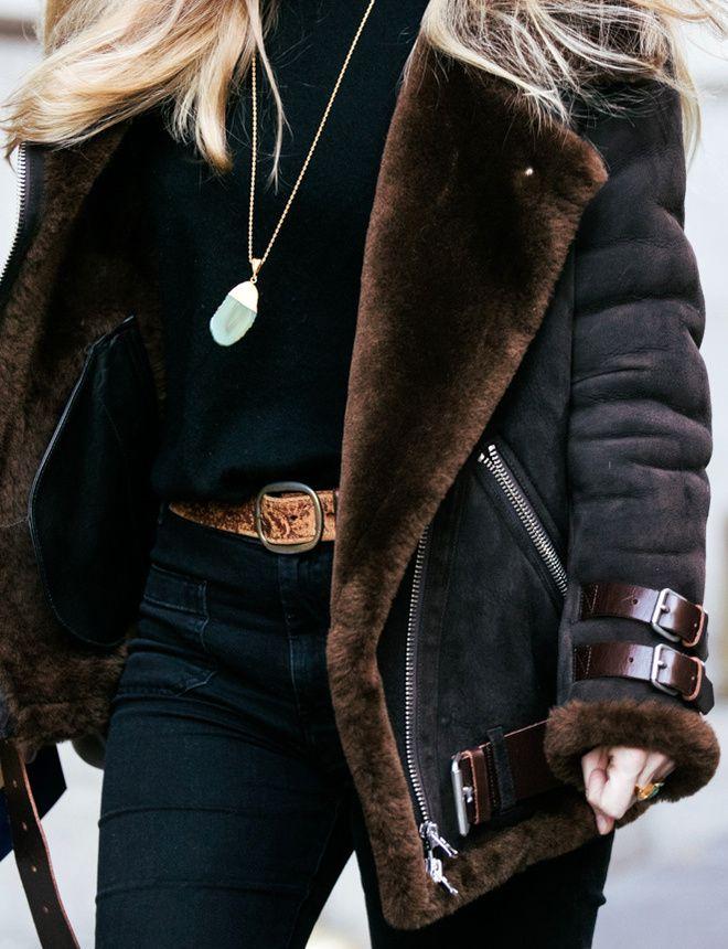 Ce blouson Acne vient décidément nous narguer à chaque fashion week... (photo Vogue)