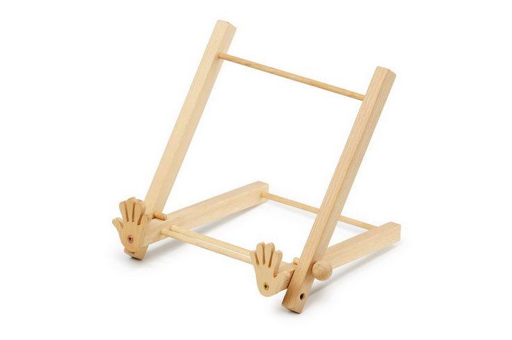 Buchstütze. In 2 Positionen kann der sorgfältig gearbeitete Halter aus Massivholz eingestellt werden & hält bei einer Position das Buch sogar offen.
