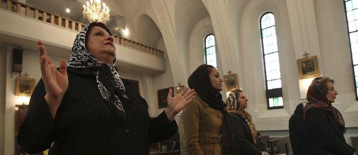 Христианство быстро распространяется среди молодежи Ирана. В последние годы, несмотря на активную исламскую идеологическую обработку, в наиболее мусульманских городах Ирана: Рашт, Тегеран и Карадж, Мешхед, Кум - наблюдаетсярост численности христиан.   http://bog.n