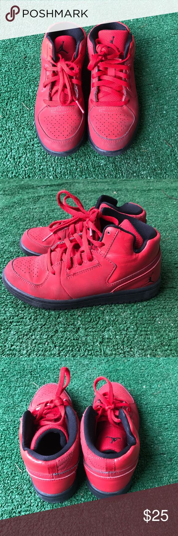 Kids Jordan shoes size 13C Red and black, clean like brand new size 13C for child Jordan Shoes Sneakers
