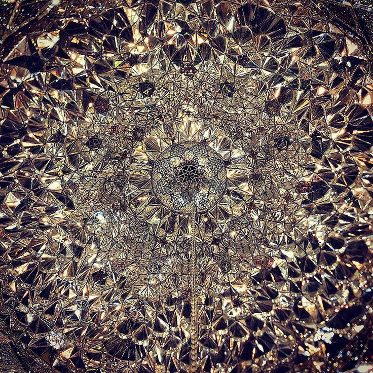 O Instagram que lhe mostra tetos de mesquitas no Irão  #arteislamica #fé #isla #Islamismo #islamismoreligiao #mesquitaazul #montedotemplo #muçulmano #mulçumanoseislamicos #oislamismo #religiãoislamica #religiãomuçulmana #sheikhdavidmunir