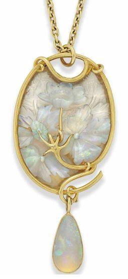 Lalique. cristal y colgante de ópalo.