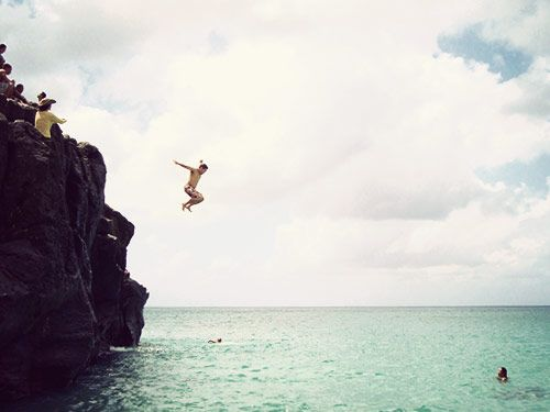 cliff jump, waimea bay, north shore, oahu. waimea bay is one of my favorite places. ever!