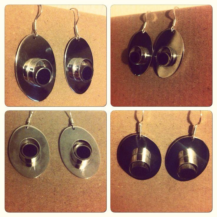 Aros plata 950 y Lapislazuli, diseño #hechura #hechoamano www.hechura.cl rodolfo@hechura.cl