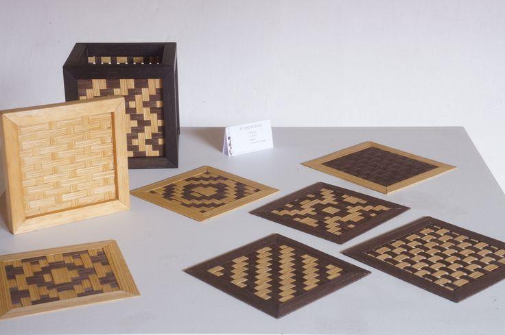 Tejido: plano - Material: chapilla de madera