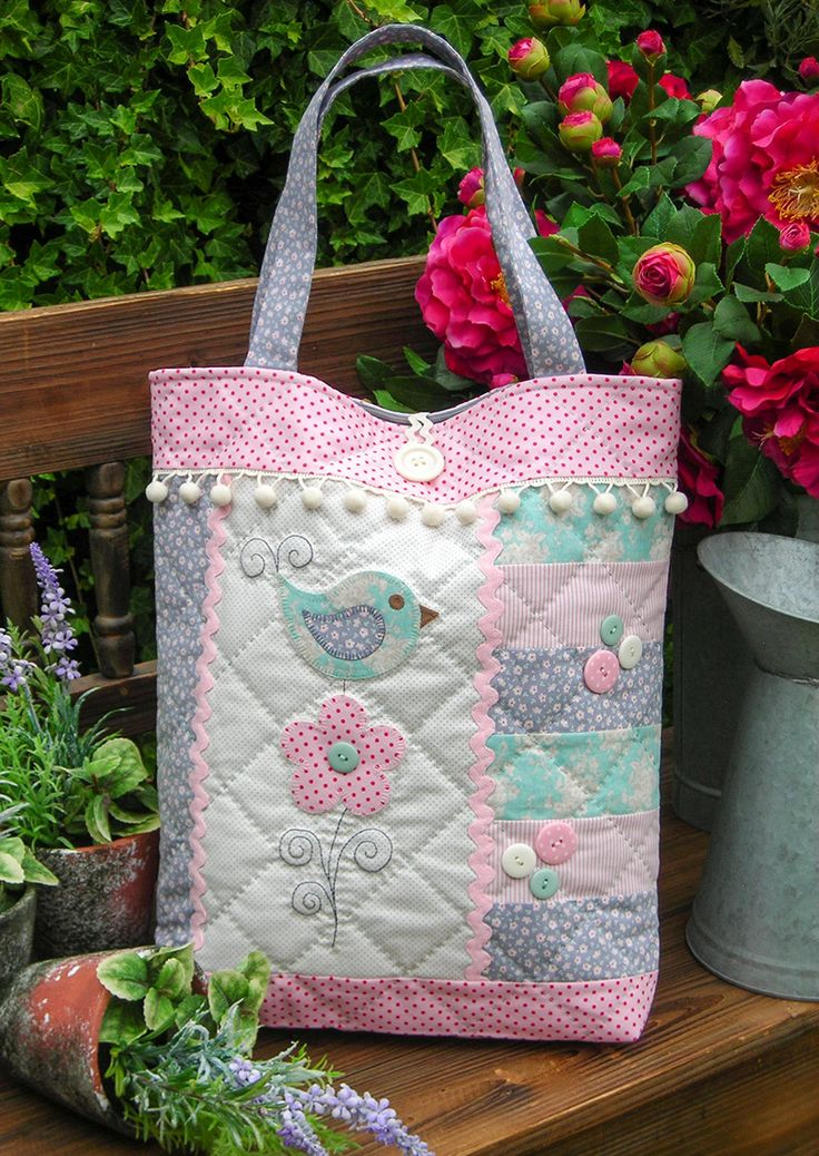 """""""Tail Feather"""" by Sally Giblin of The Rivendale Collection.  Finished bag size: 15"""" x 24"""" #TheRivendaleCollection stitchery, appliqué and patchwork patterns. www.therivendalecollection.com.au"""