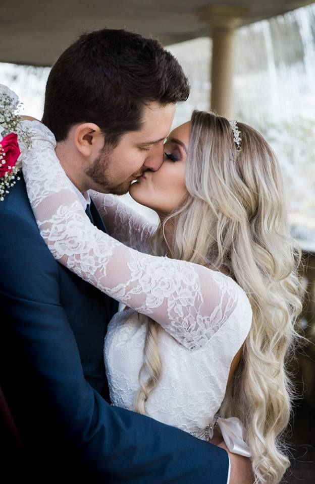 Bride and Groom kissing at caversham house during couple photos.  Timika Prygoda Woodnote Photography