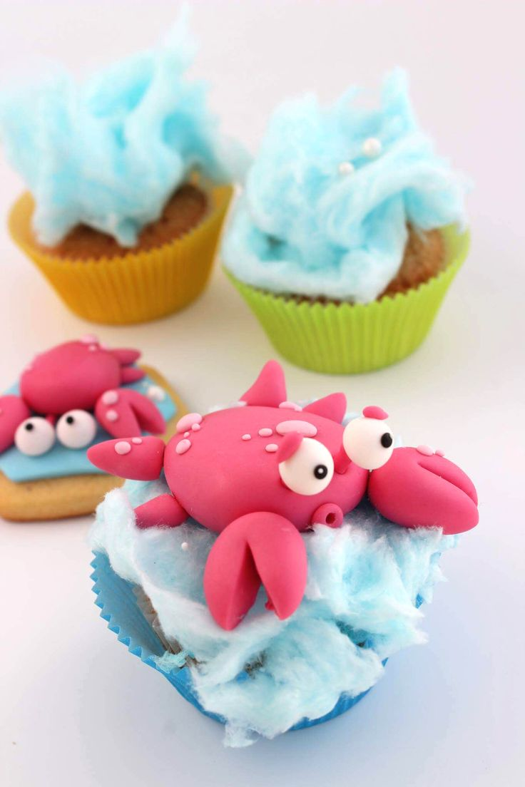 Cute crab cupcake or cookie topper - summer treats - summer dessert ideas - how to use fondant - fondant decorating ideas - cupcake decorating - Satin Ice fondant