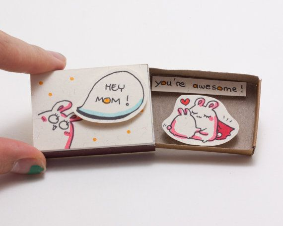"""Tarjeta divertida del día de la madre / mamá impresionante tarjeta / tarjeta madre increíble / Super mamá / """"Hey mamá que eres maravilloso"""" / Matchbox / caja de regalo / caja del mensaje / OT033"""