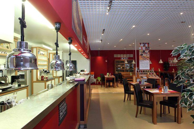 Alinéa Café | Concept restaurant, tables bois, comptoir | Groupe Lindera