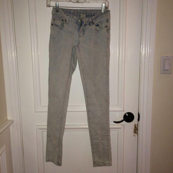 Light blue jeans •heavily washed •regular •no stains  •no holes •comfortable Blue Asphalt Jeans